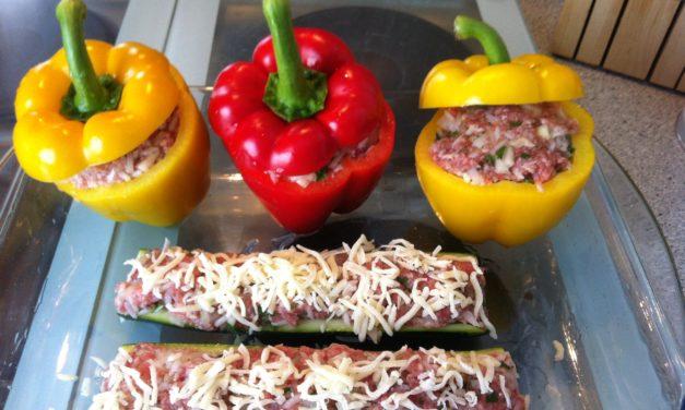 Gefüllte Paprika mit Tomatensauce